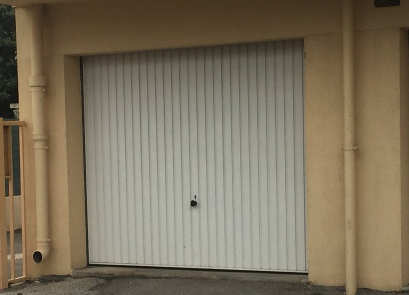 Locations La Seyne-sur-mer Garage  - m2